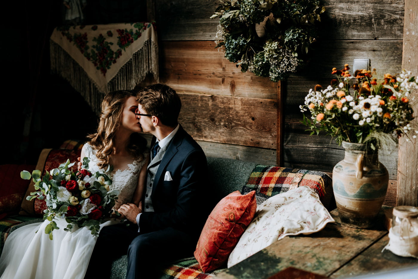 Sesja ślubna w stodole u Jojo - Monika i Kamil 2