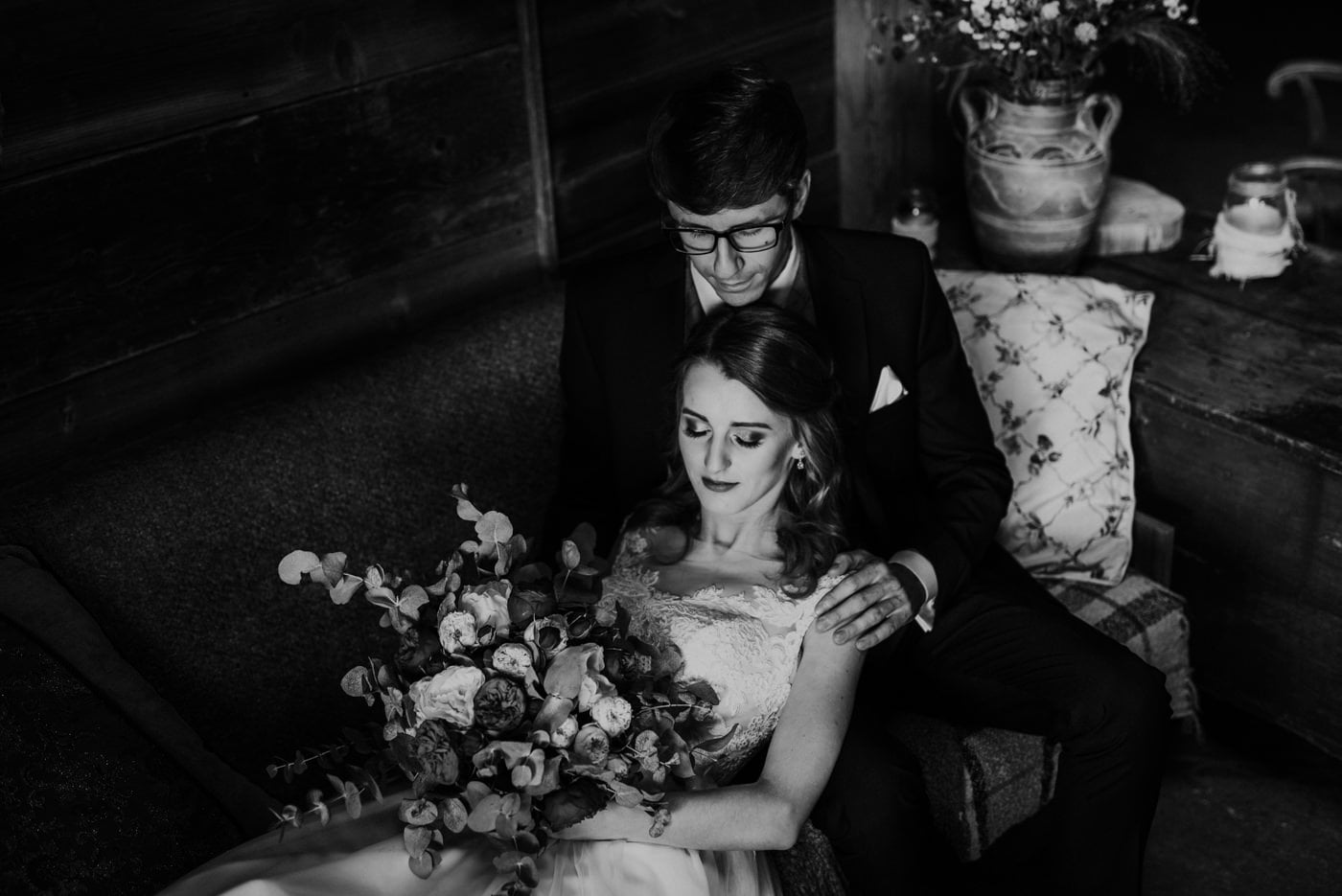 Sesja ślubna w stodole u Jojo - Monika i Kamil 3