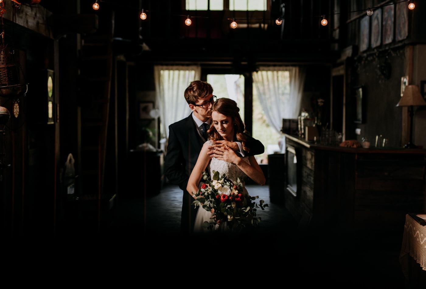 Sesja ślubna w stodole u Jojo - Monika i Kamil 6