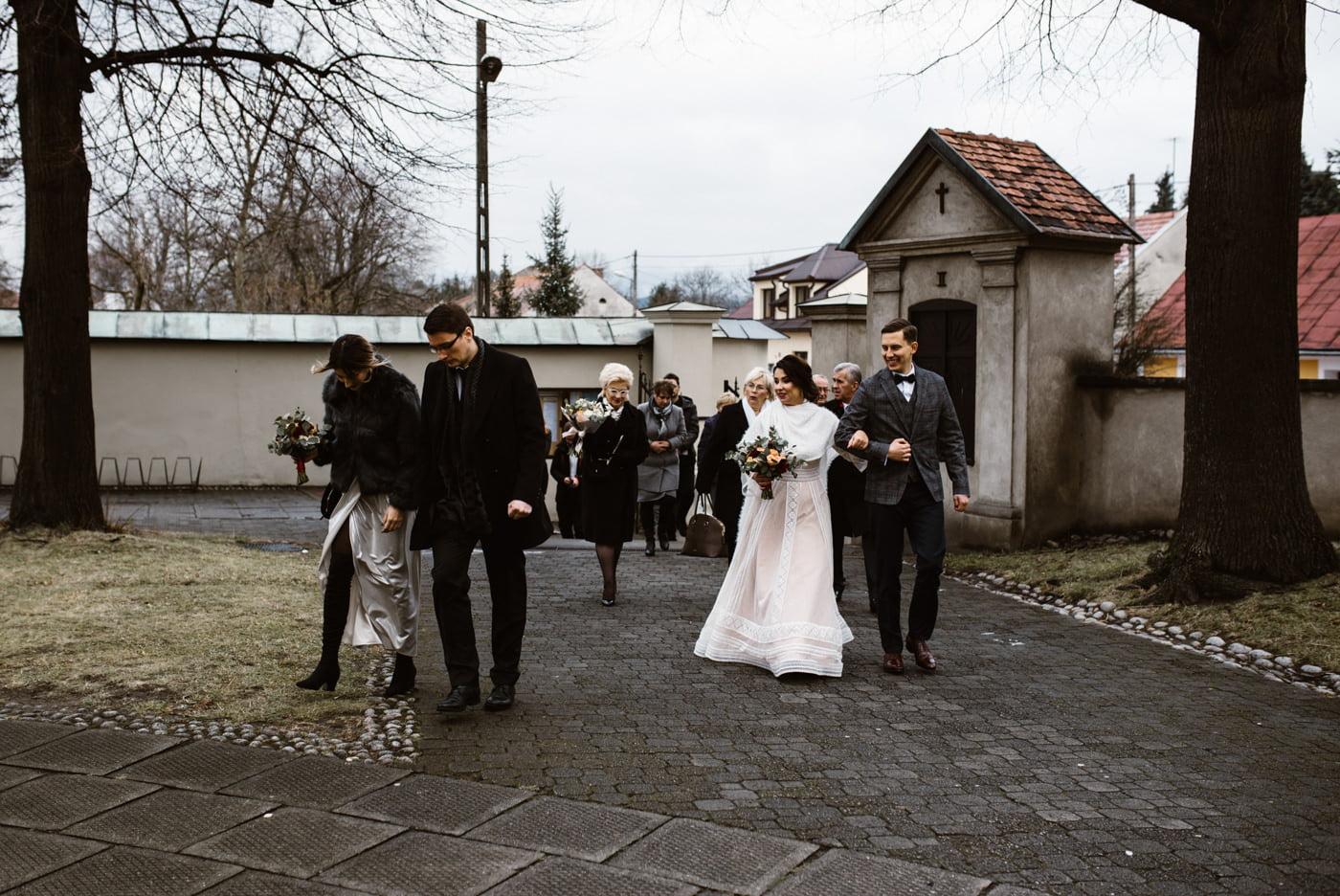 Zimowy ślub Dagmara i Michał - Willa Poprad w Rytrze 29