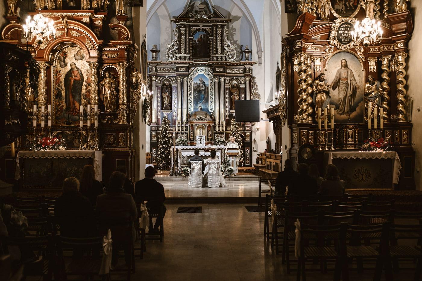 Zimowy ślub Dagmara i Michał - Willa Poprad w Rytrze 32