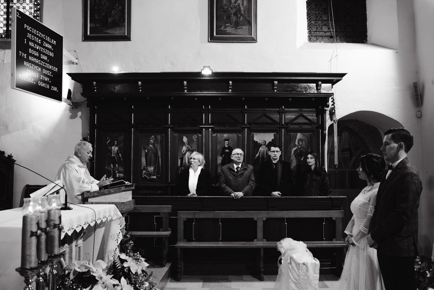 Zimowy ślub Dagmara i Michał - Willa Poprad w Rytrze 33