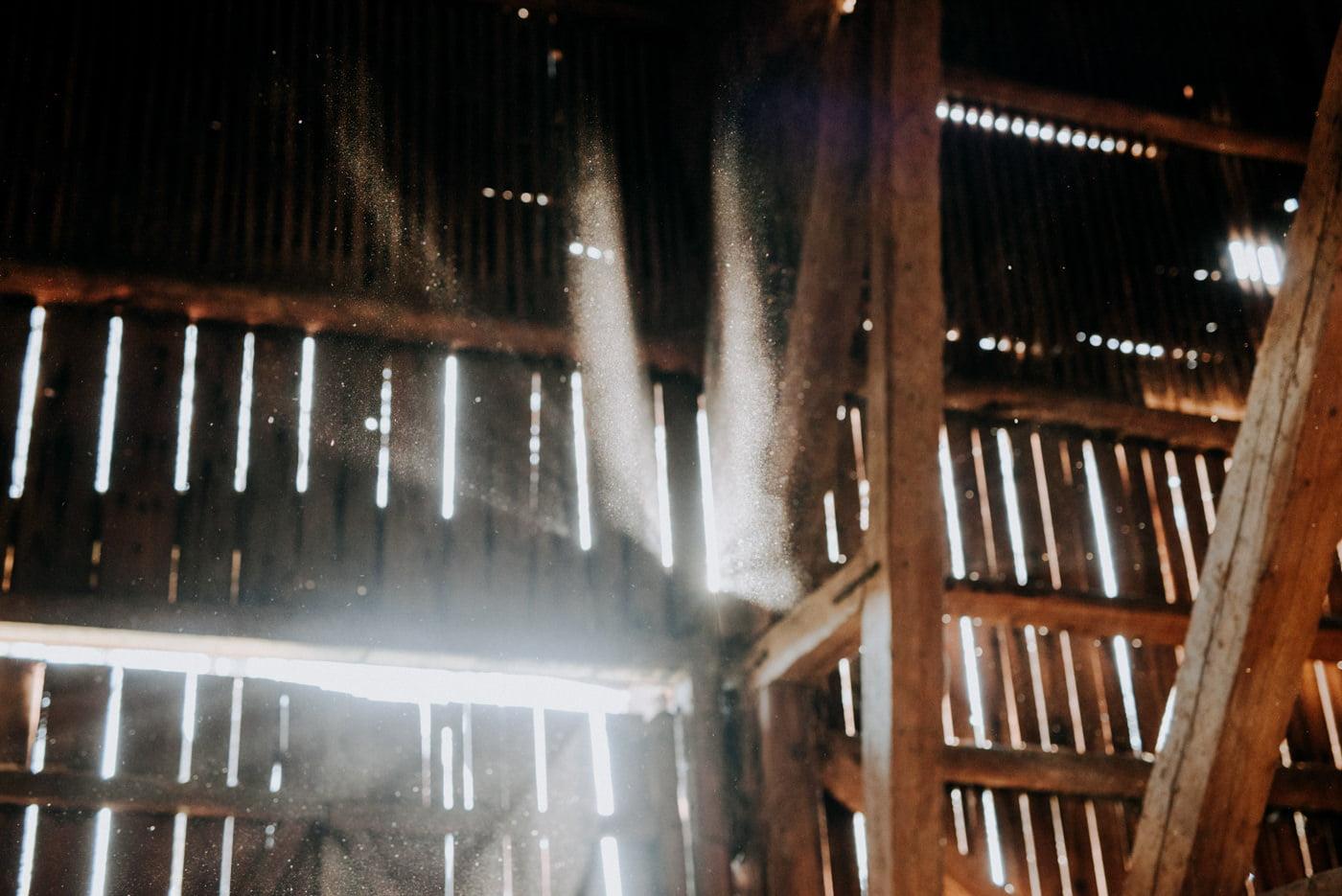 Plener Ślubny w starej stodole - Basia i Marcin 1