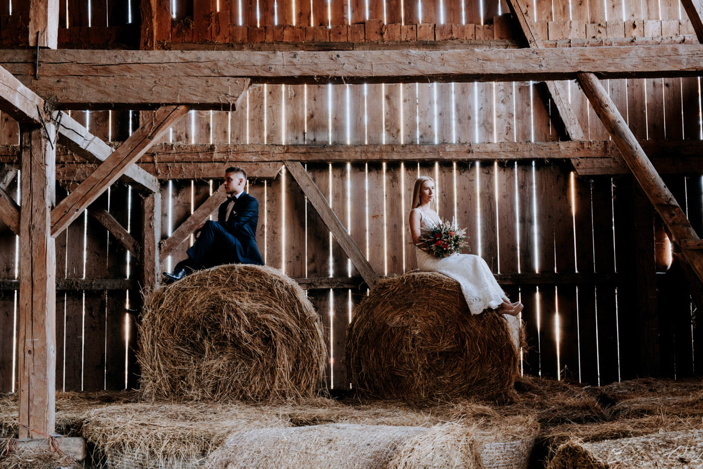 Plener Ślubny w starej stodole - Basia i Marcin 9