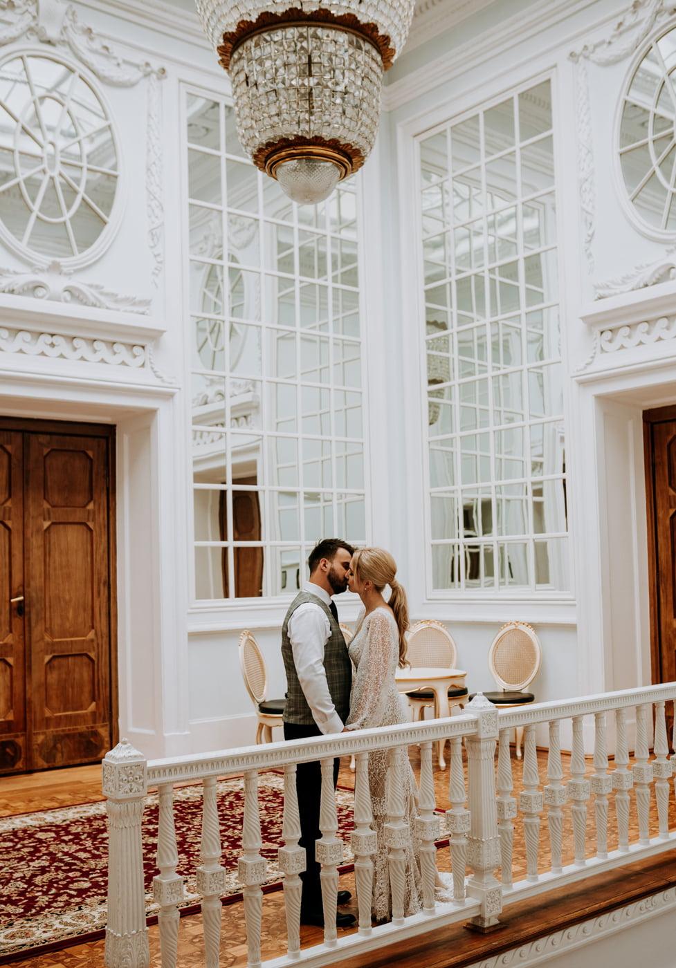 Sesja ślubna w Pałacu- Angelika i Kamil 7